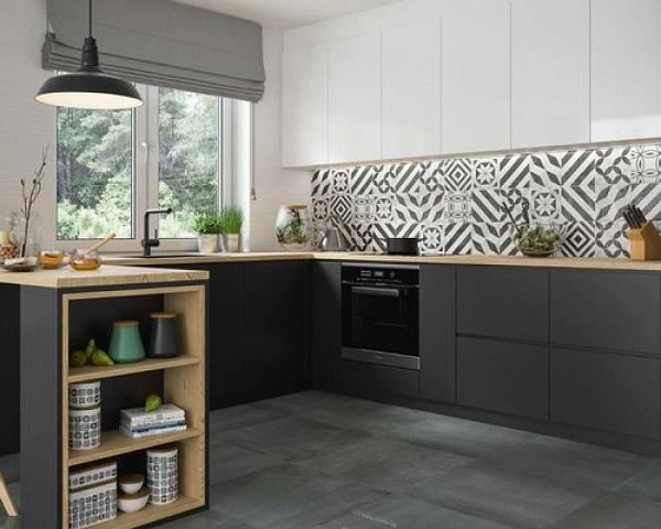Gạch ốp tường màu đen cho phòng bếp 3